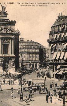 carte postale n et b Paris 1924 place de l'Opéra