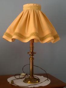 Lampe à poser années 1950 couleur ocre