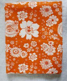 tissu d'ameublement vintage à fleurs orange