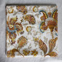 tissu d'ameublement à fleurs