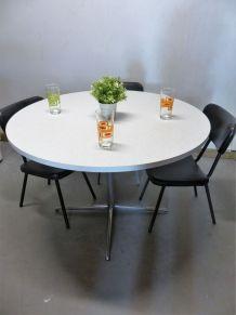 Table ronde en formica blanc et gris chiné