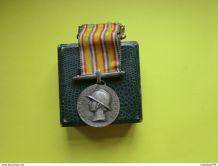 médaille de pompier graveur L Bazor hommage au dévouement