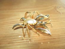 Broche Forme d'Insecte, Style Toledo