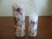 Anciennes bougies incrustées fleurs sèchées