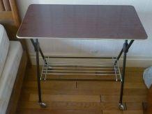petite  table a  roulette , vintage