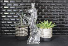 Petite bouteille en forme de cheval cabré, vase soliflore