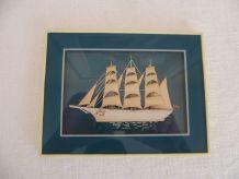 Cadre bateau en relief, bois et tissus Bretagne