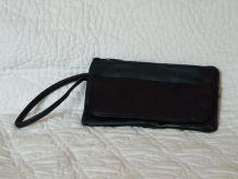 Petite pochette cuir noir basique