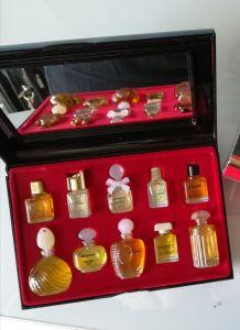 Miniatures parfums- flacons pleins
