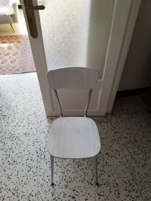 Lot 4 chaises formica