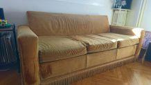 Canapé doré