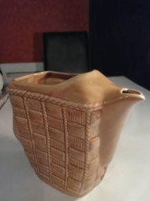 broc cruche pichet en céramique