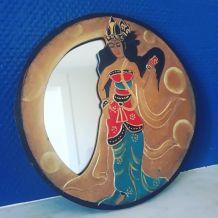 Petit miroir rond asiatique en bois