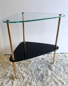 Table d'appoint en métal doré et verre – années 50