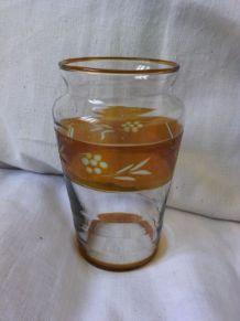 Petit vase vintage gravé