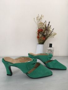 Escarpins type mules vintage en daim vert