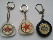 Lot de porte-clés anciens Caltex