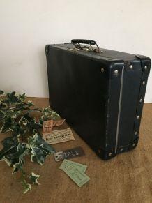 Valise bleue, vintage, voyage
