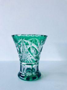 Vase art déco en cristal double vert taillé