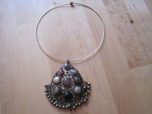 collier pendentif raz du cou pendentif de 9 cm