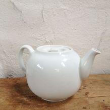 Théière en porcelaine collection générale Pillivuyt