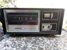 Radio réveil radialva des années 1970
