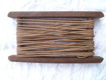 enrouleur Ancien en bois pour ficelle ,fil