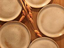 Assiettes grès du marais