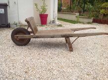 Brouette bois ancienne