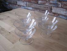 8 coupes a champagne gravée  en cristal  vintage