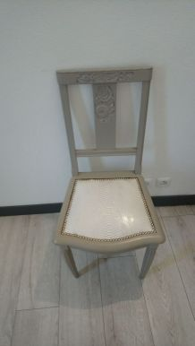 chaise croco blanche