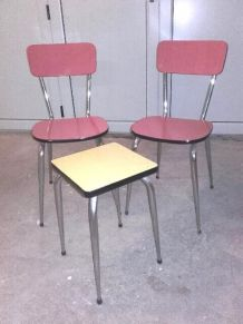 Formica 2 chaises rouge + 1 tabouret jaune