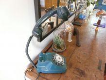Lampe vintage ancien téléphone bleu