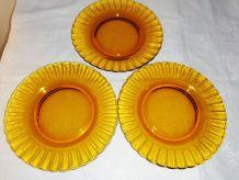 """6 assiettes à dessert """"fleur"""" Duralex ambrées"""