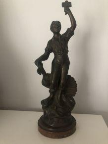 """Ancienne Statue en régule """"LA PAIX"""""""