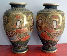 Paire de grands vases Satsuma signés haut. 33 cm