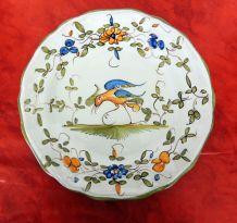 Assiette faïence de Martres Tolosanes décor oiseau signée