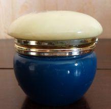 pilulier bleu