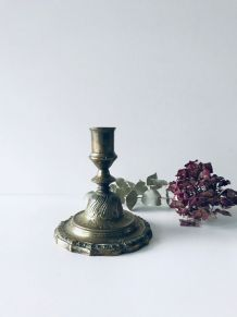 Bougeoir ancien en bronze doré