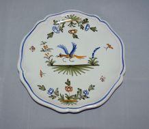 Petite assiette Moustiers décor oiseau signée FD