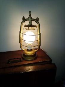 Ancienne lampe à pétrole n°191
