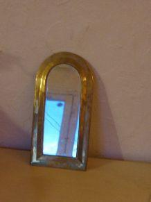 Charmant miroir en laiton vintage