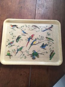 Plateau rectangulaire vintage aux oiseaux exotiques.