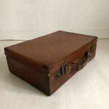 Valise en cuir vintage 50's