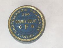 Boite métal  vintage Cartoucherie Française Paris
