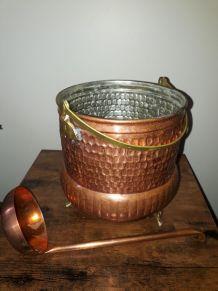 Déco en cuivre - Chaudron avec sa louche - Cache pot Vintage