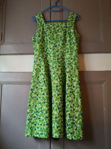 Robe d été vintage année 70 à fleurs vert et noire