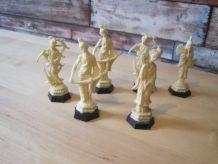 6 figurines 1970 café Maurice  en plastique