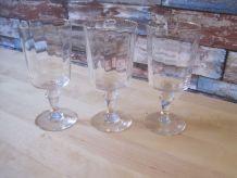 3 verres en cristal anciens  a eau
