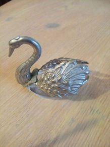 Petit cygne décoratif vintage